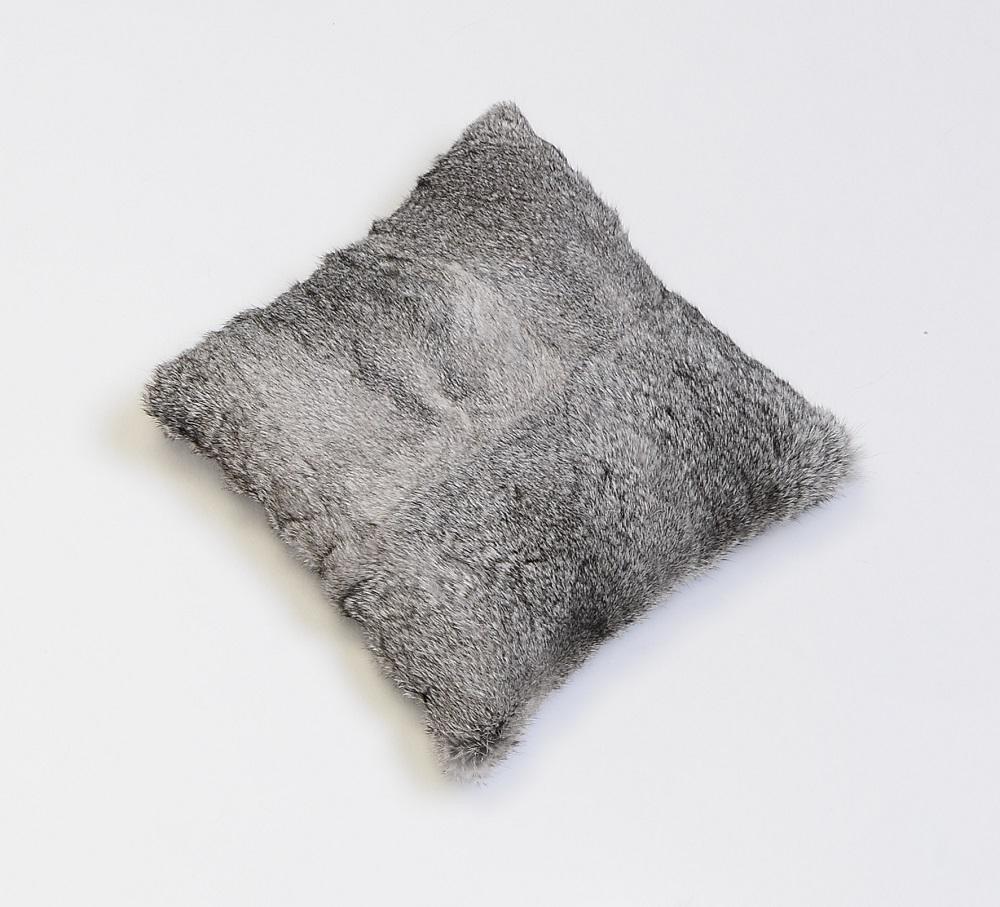 fell kissen kanin 50 cm x 50 cm pelzkissen pelz welz onlineshop baden baden. Black Bedroom Furniture Sets. Home Design Ideas